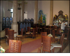 Le Chaim Bar, Hotel Raquel