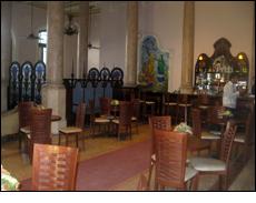 Le Chaim Bar, Hotel Raquel